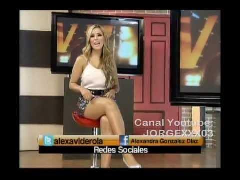 ALEXANDRA GONZALEZ MICROFALDA PLATEADA PIERNOTOTOTAS - YouTube