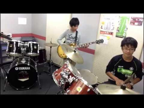 「YouTube Theme Song」をギターとドラム(初心者2人)で演奏してみた