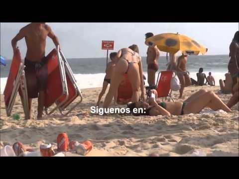 Chicas sexys en Bikini en la playa semidesnudas