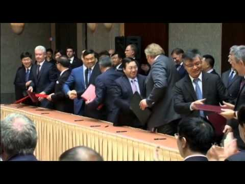 Russia and China Ink $400 Billion Energy Deal