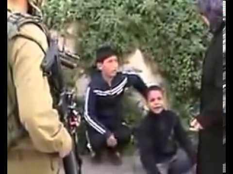 Israel Soldiers arrest 3 Palestinian kids