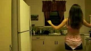 Iran  آشپزخونه با رقص دختر ایرانی