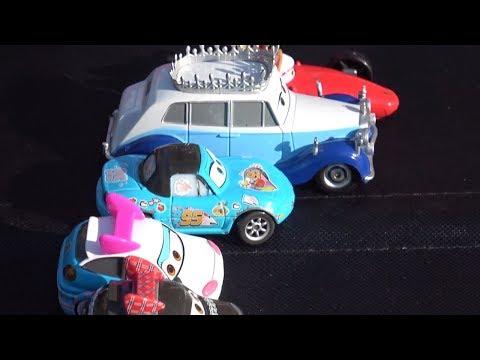 Машинки девочки. Гонки с королевой и японкой. Cars 2.
