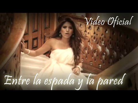 Entre la espada y la pared (Video Oficial) - Nicole Pillman