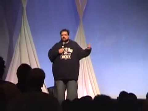 Kevin Smith Speaks About Working With Bruce Willis At Macworld.