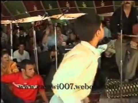 الرقص على القعدة طفل مغربي thumbnail