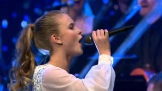 Download video Zara Larsson - Carry You Home (Live @ Nordisk julkonsert)
