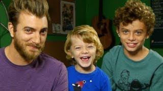Rhett's Kids Open Mail
