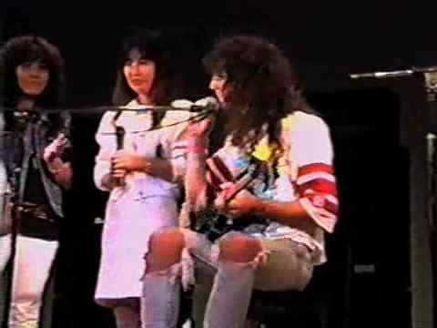 NEW NEVER SEEN FOOTAGE - Jason Becker Shows Arpeggios,Japan `89