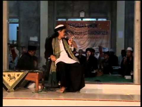 Kyai Gondrong Kh M Ali Sodiqin (gus Ali) Di Iringi Rebana Semut Ireng Di Desa Bumirejo video