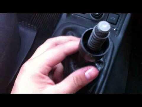 Como cambiar una perilla de velocidades de  corsa chevy