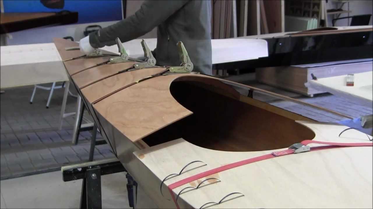 Bau eines Holzkajaks. Lektion 16: Das Deck anbringen - YouTube