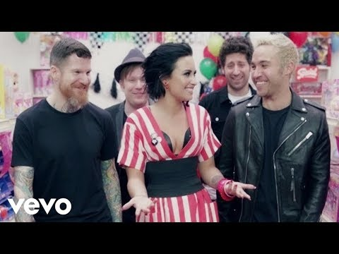 download lagu Fall Out Boy - Irresistible Ft. Demi Lov gratis