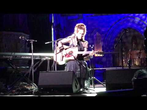 Maria McKee  St Patricks Cathedral TradFest 2017  Show Me Heaven