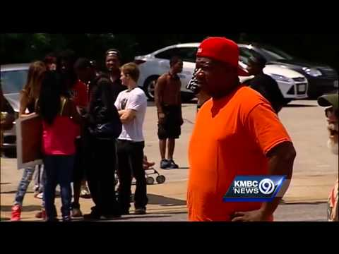 Protests continue following fatal Ferguson, Mo., police shooting