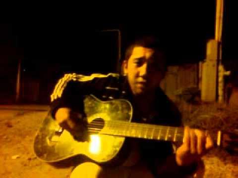 песни под гитару Ильзат на невском проспекте у бара