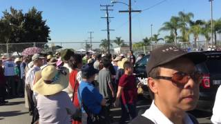 (Chùa Điều Ngự) Hang ngàn người không được vô nghe Đức Dalai Lama gia giảng mặc dù có vé