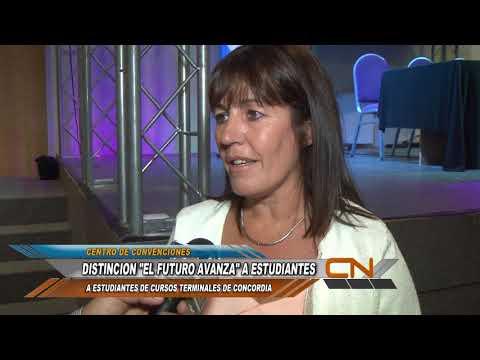 """""""El futuro avanza"""": jóvenes y niños fueron distinguidos por sus escuelas y la Municipalidad"""
