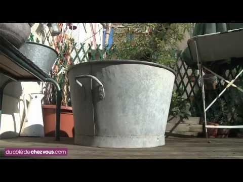 une bassine en zinc transform e en jardin. Black Bedroom Furniture Sets. Home Design Ideas