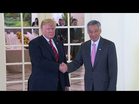 Raw: Trump Meets With Singapore's Prime Minister