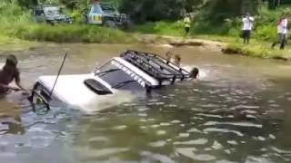 Nissan Patrol Y60 GR Diving