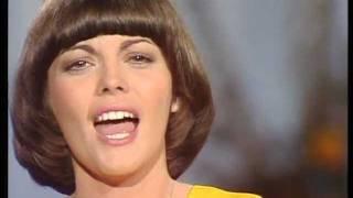 Watch Mireille Mathieu La Paloma Ade video