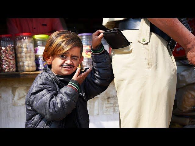 CHOTU POCKET MAAR | छोटू पॉकेटमार | Khandesh Hindi Comedy | Chotu Comedy Video thumbnail