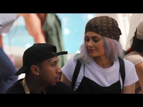 Kylie Jenner & Tyga Go House Hunting Together