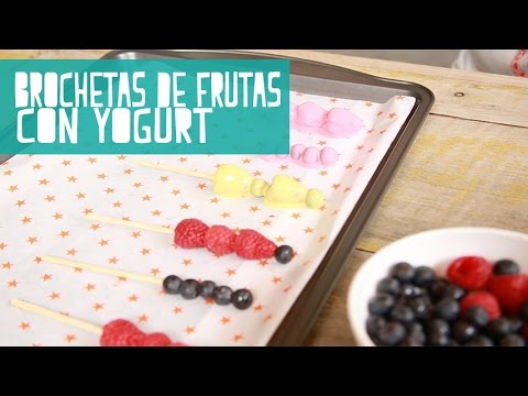 Brochetas de Frutas Con Yogurt | PAPER POP | IrreverenTV