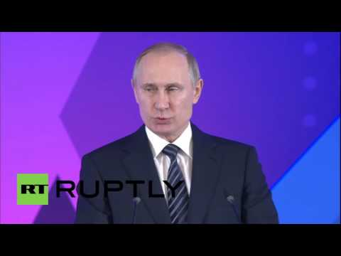 Russia: Putin heralds Russian Paralympic athletes at 'Return to Life Prize' awards