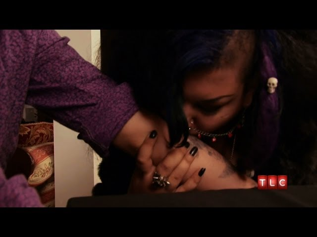 Feeding Off Human Blood | My Strange Addiction