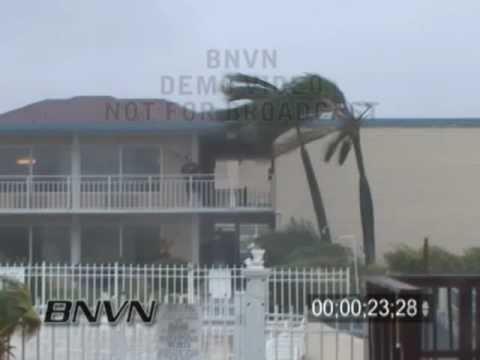 9/5/2004 Footage of Hurricane Frances hitting Apollo Beach Florida