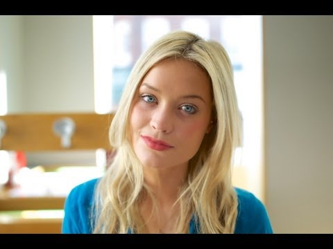 Laura Whitmore discusses her laser eye surgery
