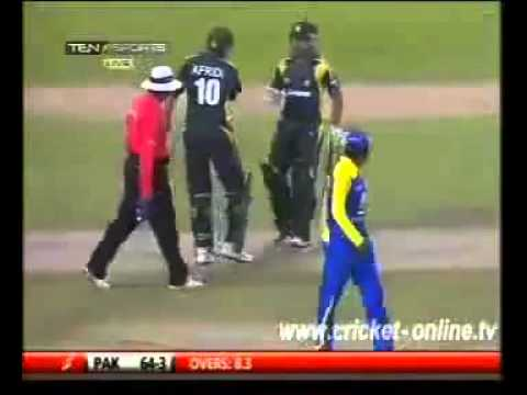Shahid Afridi vs Mahela Jayawardene Sledging & Fight