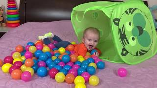 Family fun with LITTLE BROTHER Play with Balloons and COLOR Balls JoyJoy Lika