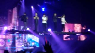 One Direction flying- Change My Mind SHEFFIELD ARENA