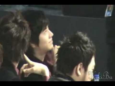 [fancam] Kyuhyun & Siwon @ 2007 Golden Disk Awards