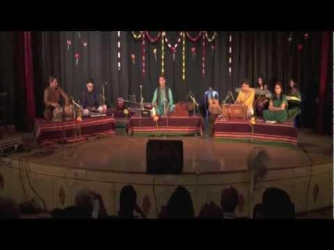 Ayushya Tech Ahe at Phir Chhidi Ghazal show - 3 Nov 2012