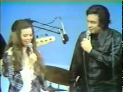 Thumbnail of video Johnny Cash & June Carter - 'It ain't me babe'