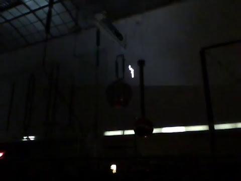 Demostración de descargas eléctricas en alta tensión AT