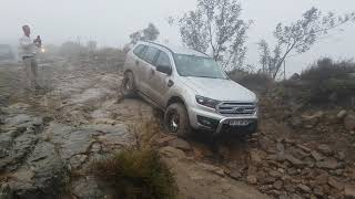 Ford Everest on Bezuidenhouts Pass - Mountain Passes of South Africa