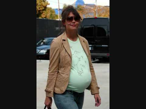 KATIE HOLMES PREGNANCY JOURNEY