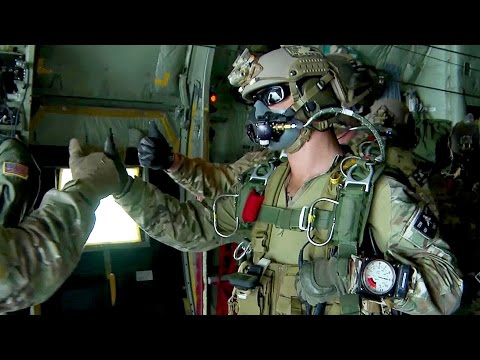 U.S. Army Special Forces Green Berets - High Altitude Jump