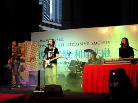 Crossfire 乐队- 红蜻蜓@ Berjaya Times Square, KL