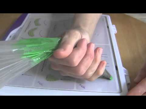 Cake Decorating How To Make Leaves : Cake Decorating Piping Techniques: How to Make Leaves ...