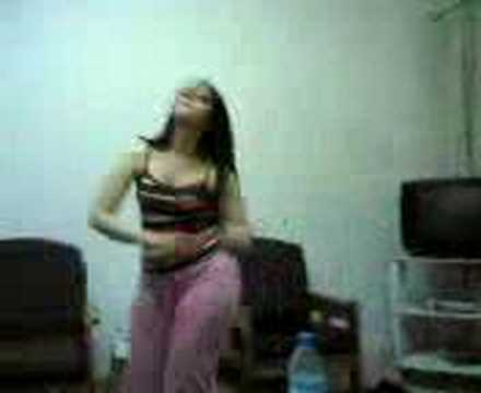 SEXY ARAB GIRL FROM EGYPT DANCING