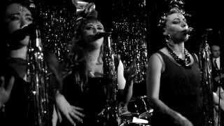 "Clairy Browne & The Bangin' Rackettes ""Whatta Man"""