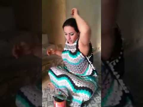 pakistani muslim aunty removing her armpits hairs thumbnail