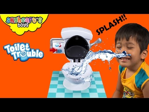 Playing with Toilet Trouble - Daddy and Skyheart tabletop board games toys for kids hasbro