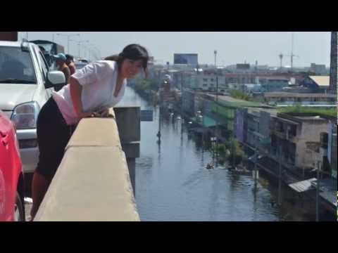 น้ำท่วม กทม   Flooding in Bangkok Rangsit MCA News 1 .11.2011